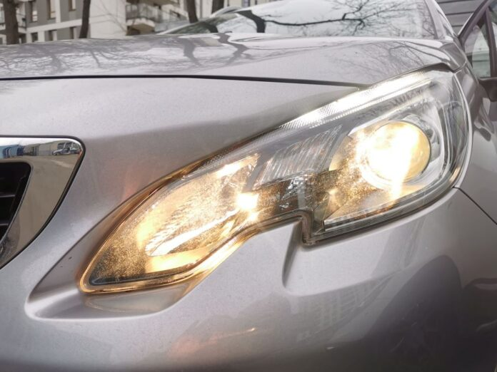 Policja radzi - sprawdź światła w samochodzie 3
