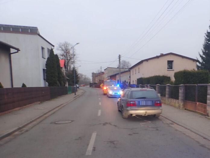 W Kaletach policja zatrzymała pijanego kierowcę, który uszkodził dwa samochody, znak drogowy oraz elewację budynku. W schwytaniu pirata drogowego pomógł przypadkowy świadek 2