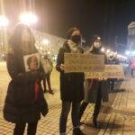 Częstochowianie przy muzyce Kultu protestowali na placu Biegańskiego 7