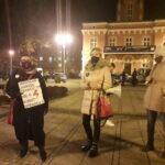 Częstochowianie przy muzyce Kultu protestowali na placu Biegańskiego 10