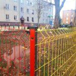 Nowe urządzenia i ogrodzenie na placu zabaw w Blachowni 4