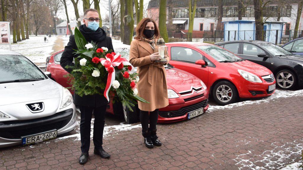 Zarząd Powiatu Radomszczańskiego i przedstawiciele władz Radomska  uczcili Ofiary Holocaustu 3