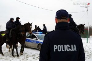 Chcesz być policjantem i kochasz konie? Zgłoś się. Częstochowska jednostka czeka na chętnych 3