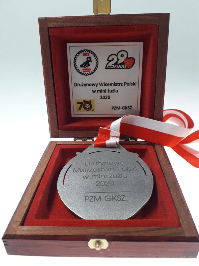 Srebrny medal żużlowców UKS Speedway Rędziny dla WOŚP 4