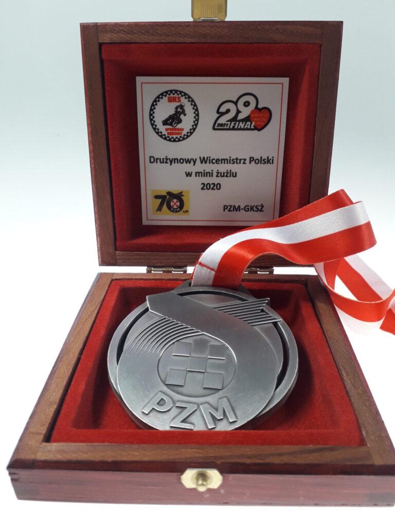 Srebrny medal żużlowców UKS Speedway Rędziny dla WOŚP 2