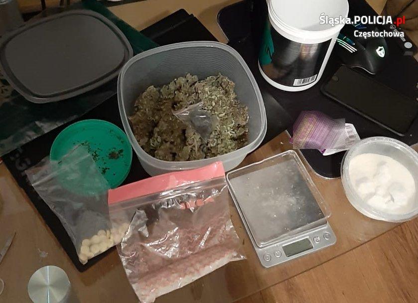 Częstochowska policja zatrzymała 4 dilerów narkotyków 2