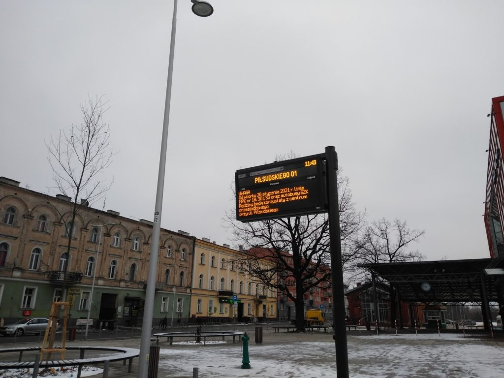 Węzeł przesiadkowy przy Piłsudskiego gotowy. Od jutra będą stamtąd odjeżdżać autobusy 4