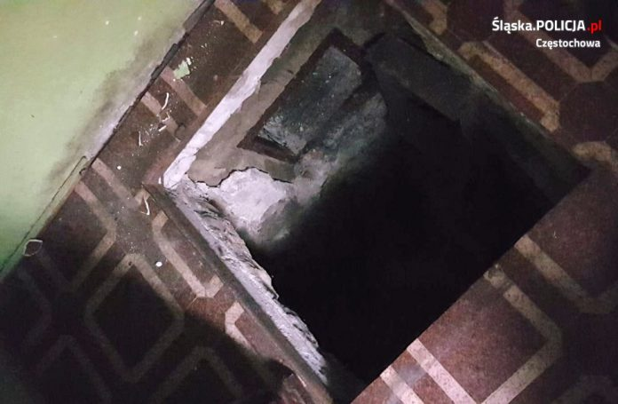 Ukrywał się w kryjówce pod podłogą swojego domu, ale i tak wpadł w ręce częstochowskich policjantów 2