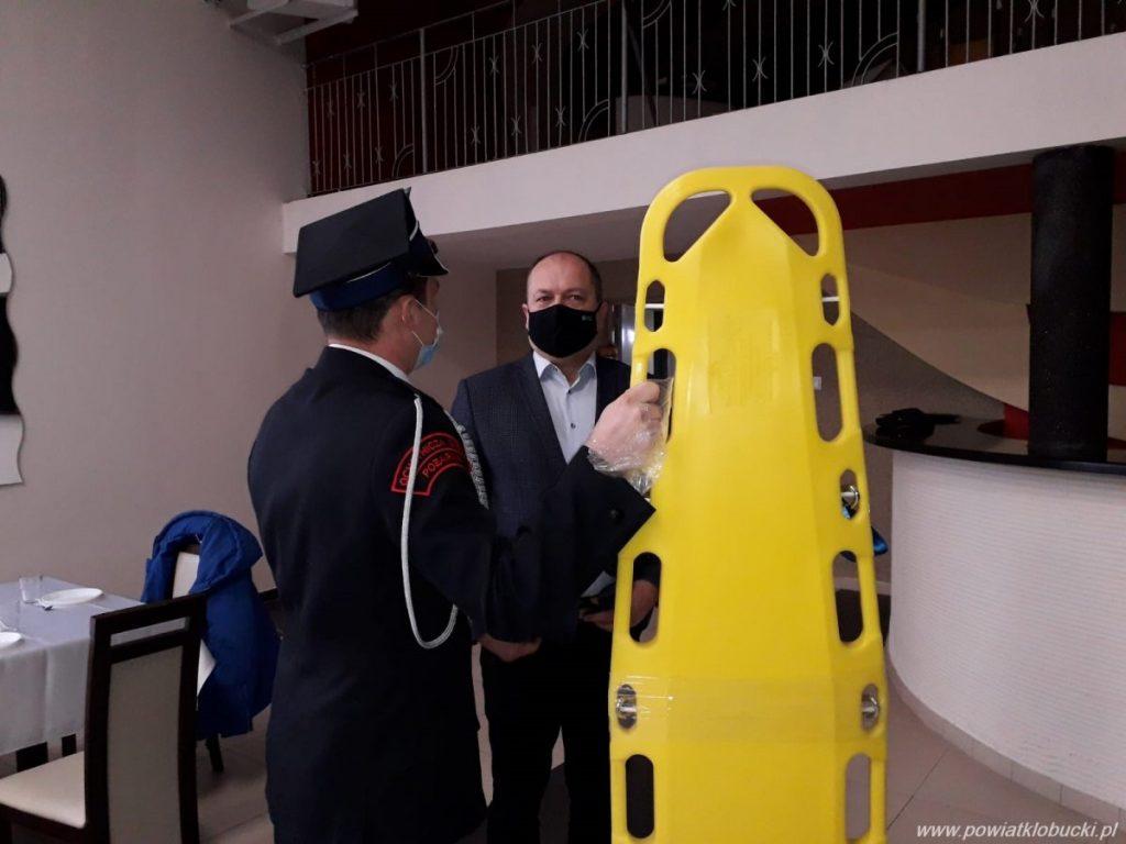 Starostwo Powiatowe w Kłobucku ufundowało sprzęt dla OSP Parzymiechy 3