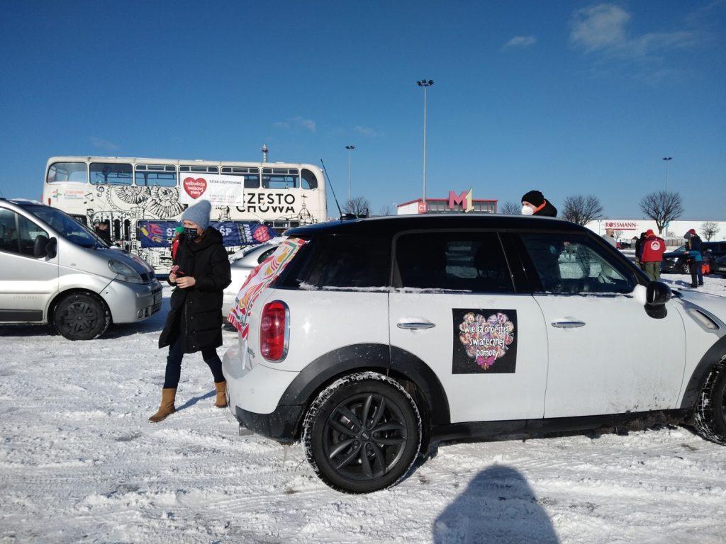 Samochodowa Parada Serc na rzecz częstochowskiego sztabu WOŚP 12