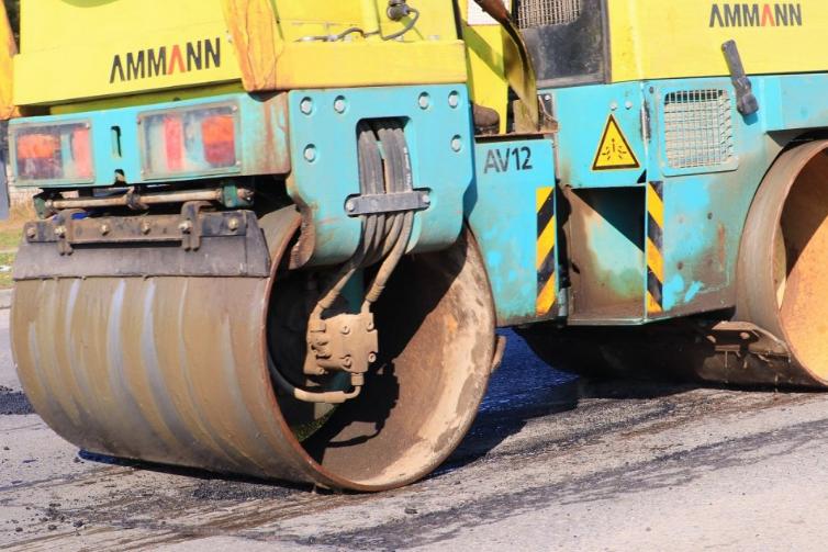 W Powiecie Radomszczańskim trwają pozimowe naprawy dróg 8