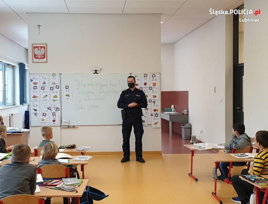 Lublinieccy policjanci edukowali Koszęcińskich uczniów 2