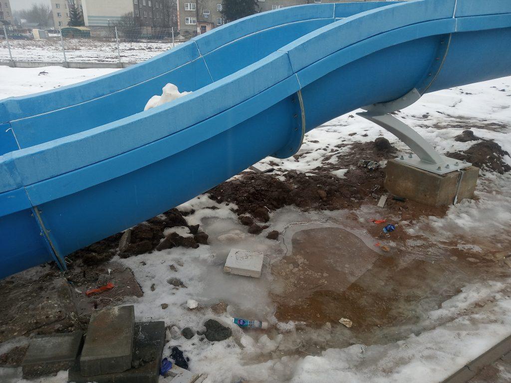 Poważne wady budowlane powodem braku odbioru końcowego basenu w Radomsku. 8