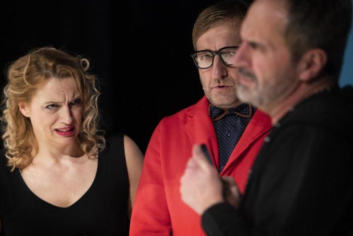 """Teatr im. Mickiewicza zaprosi widzów także w piątek. Ma dla nich """"Cudowną terapię""""! 3"""