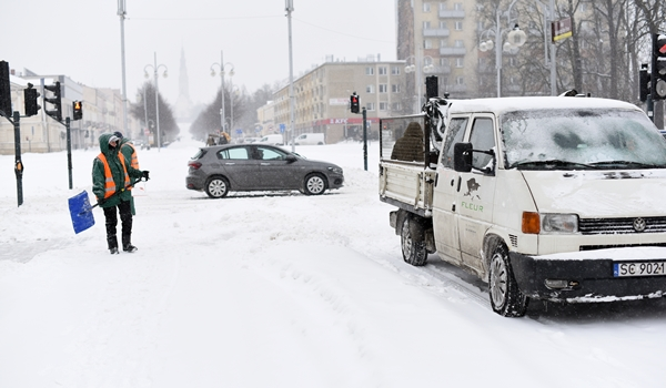 Zasypało nas, a śniegu ma być jeszcze więcej, ostrzegają synoptycy 2