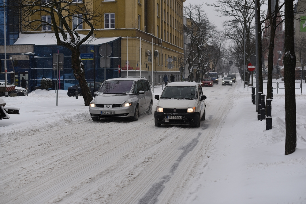 Zasypało nas, a śniegu ma być jeszcze więcej, ostrzegają synoptycy 1
