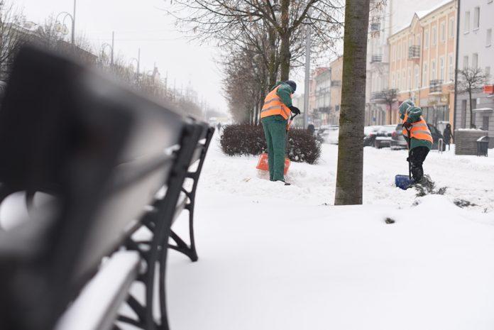 Zasypało nas, a śniegu ma być jeszcze więcej, ostrzegają synoptycy 4