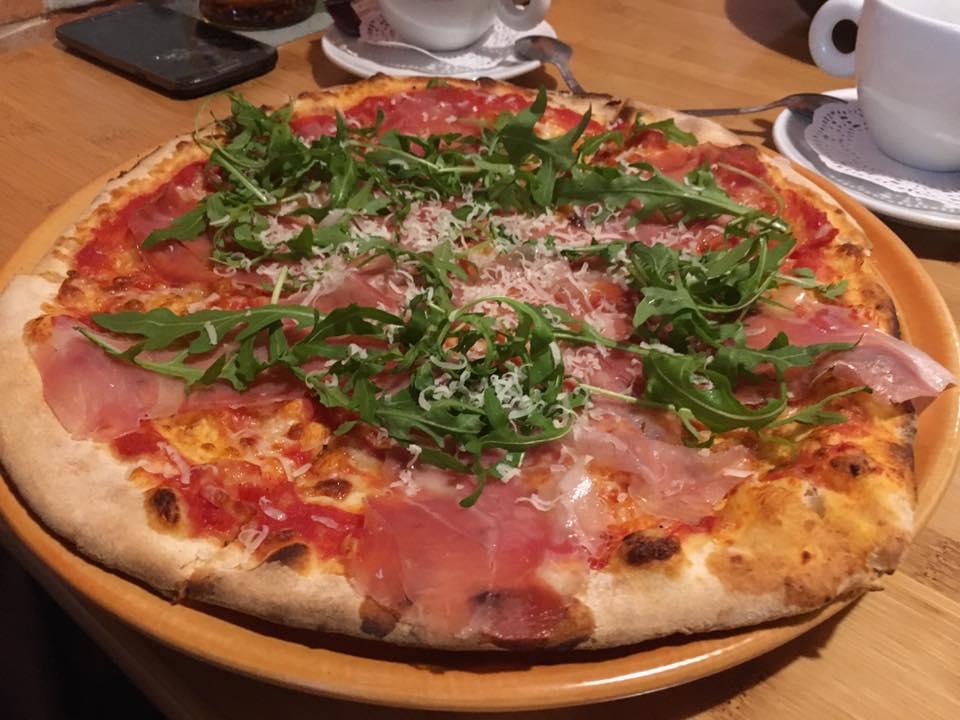 Pizza na dzień pizzy 2021. W Częstochowie stacjonarnie serwują ją dwa lokale 5
