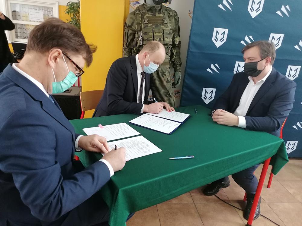 MASKPOL nawiązał współpracę z częstochowskimi szkołami 1
