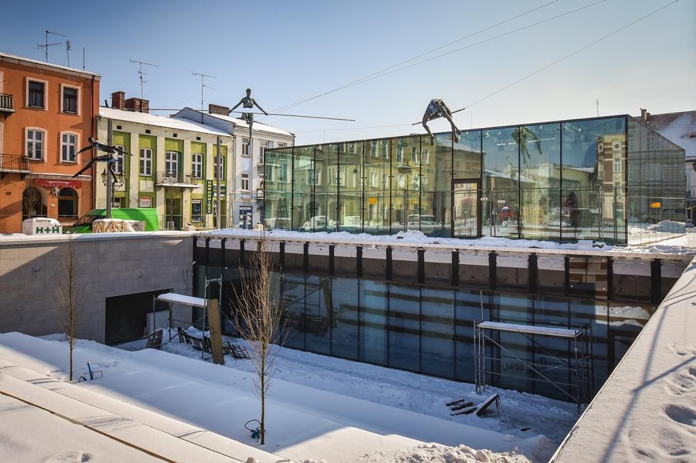 """""""Historia Częstochowy – miasta nad Wartą"""", czyli wystawa w podziemiach Starego Rynku 2"""