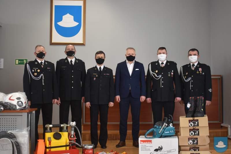 Strażacy z OSP Kłobuck i OSP Łobodno otrzymali nowy sprzęt 3