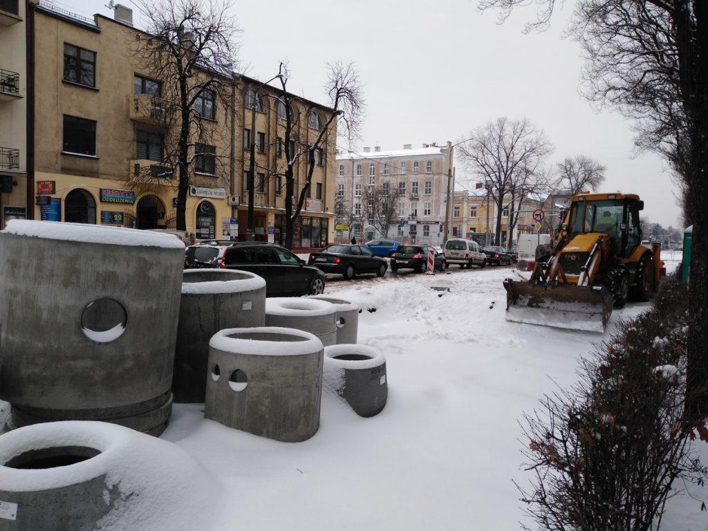 Zima nie zatrzymała remontu torów w Śródmieściu Częstochowy 2