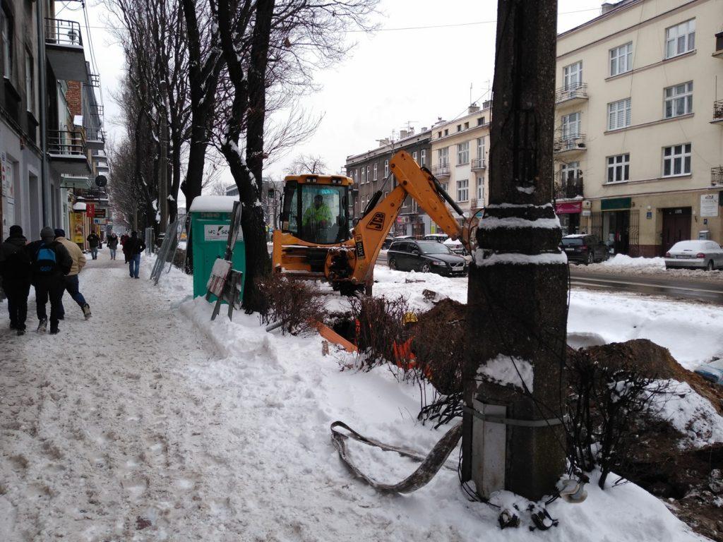 Zima nie zatrzymała remontu torów w Śródmieściu Częstochowy 3
