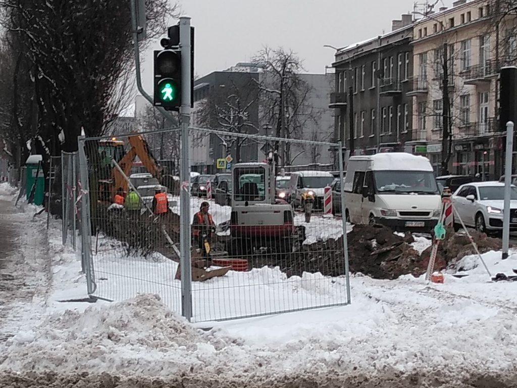 Zima nie zatrzymała remontu torów w Śródmieściu Częstochowy 5