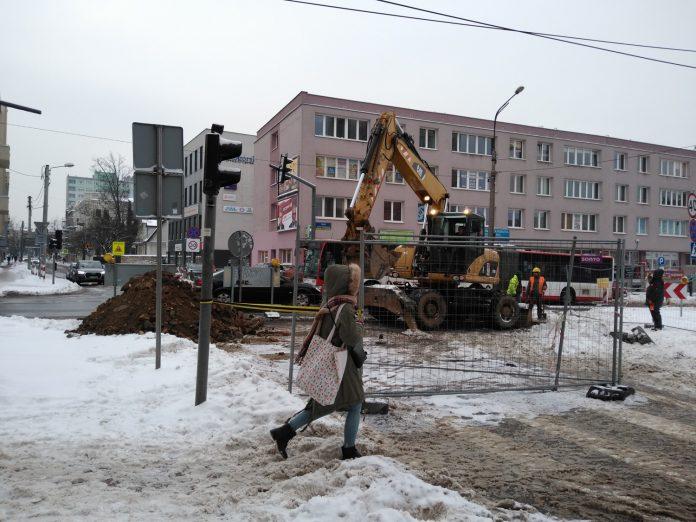 Zima nie zatrzymała remontu torów w Śródmieściu Częstochowy 12