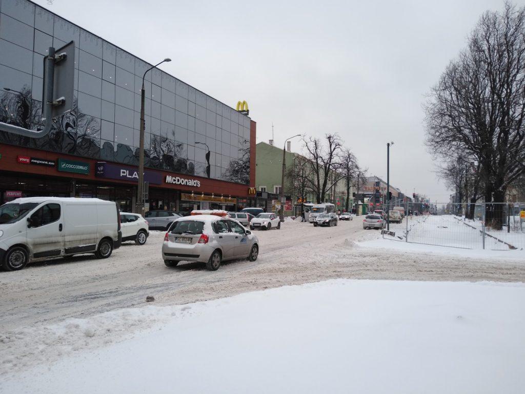 Uważajcie, na ulicach i chodnikach ciągle dużo śniegu 11