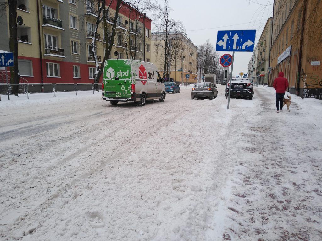 Uważajcie, na ulicach i chodnikach ciągle dużo śniegu 3
