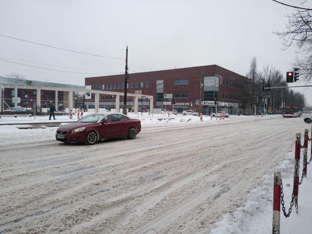 Uważajcie, na ulicach i chodnikach ciągle dużo śniegu 8