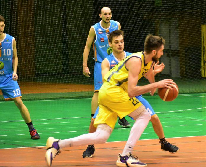 Gdyby nie ta ostatnia kwarta częstochowskich koszykarzy... 11