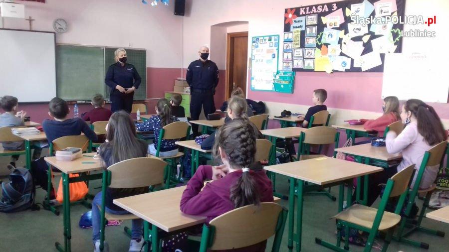 Prelekcje lublinieckich policjantów o zasadach bezpieczeństwa 1