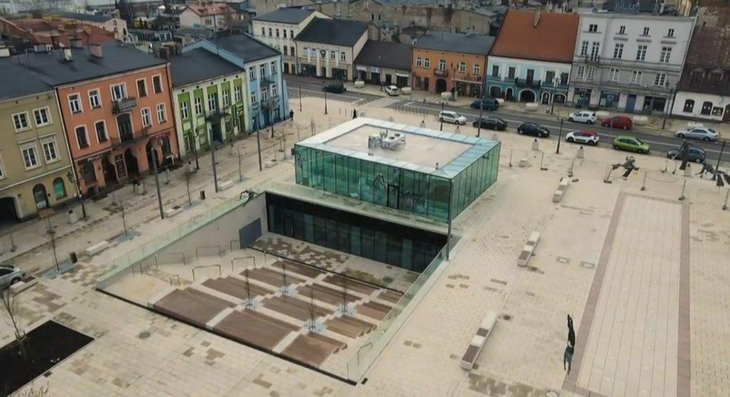 W Częstochowie online otwarto zmodernizowany Stary Rynek 5
