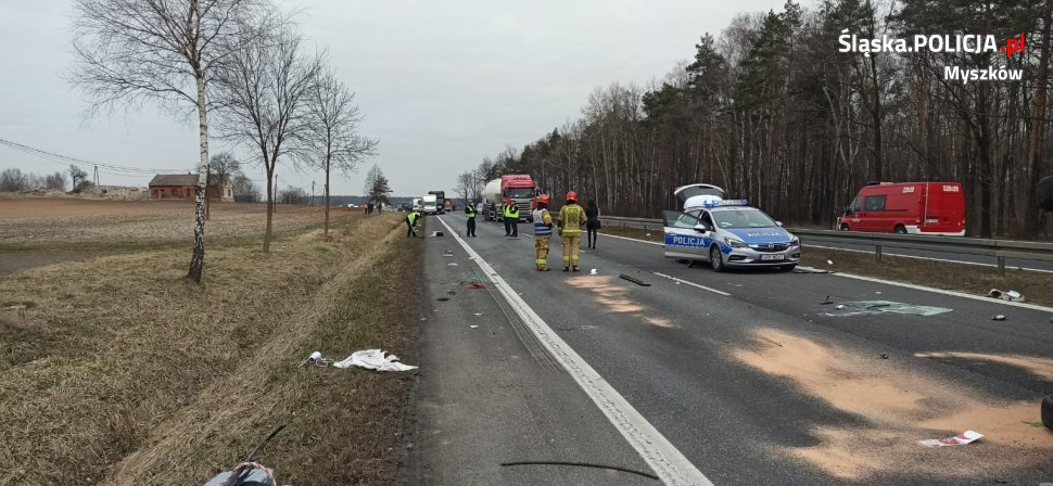 Śmiertelny wypadek w Winownie na drodze DK-91. Droga w stronę Katowic jest zablokowana 4