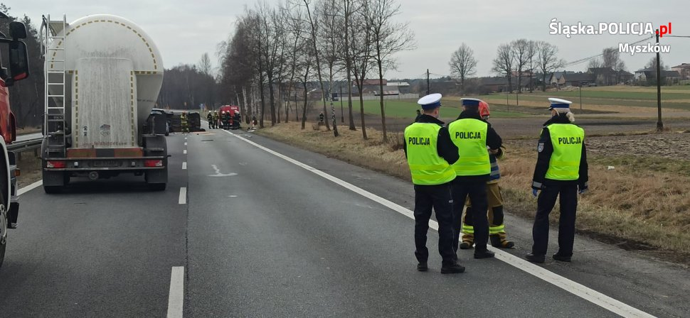 Śmiertelny wypadek w Winownie na drodze DK-91. Droga w stronę Katowic jest zablokowana 1