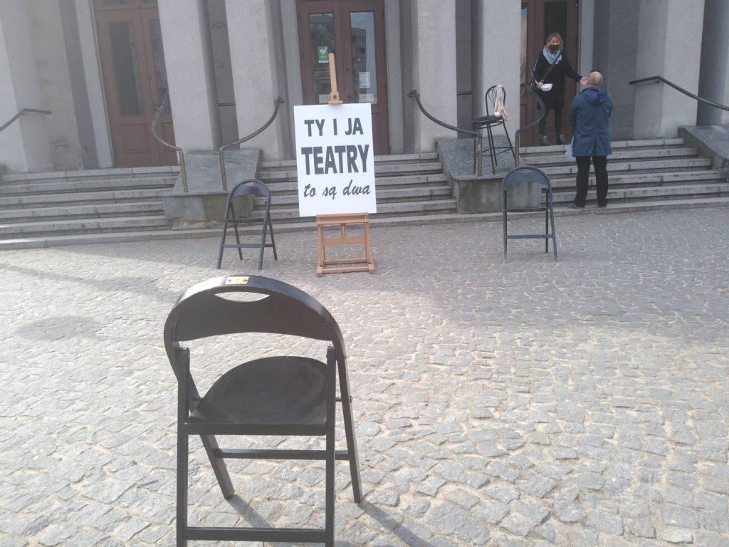 Zobacz, jak wyglądał w Częstochowie happening z okazji Międzynarodowego Dnia Teatru 1