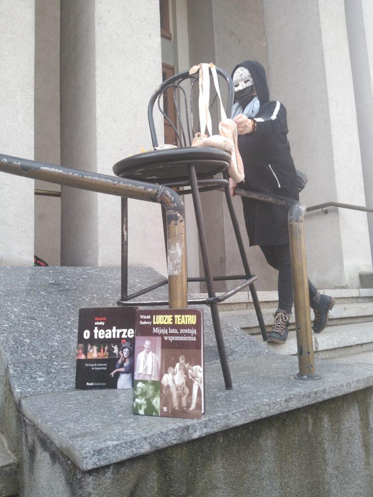Zobacz, jak wyglądał w Częstochowie happening z okazji Międzynarodowego Dnia Teatru 10