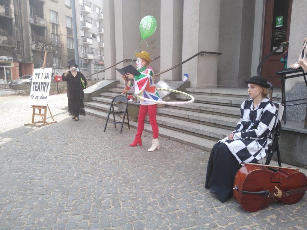 Zobacz, jak wyglądał w Częstochowie happening z okazji Międzynarodowego Dnia Teatru 18