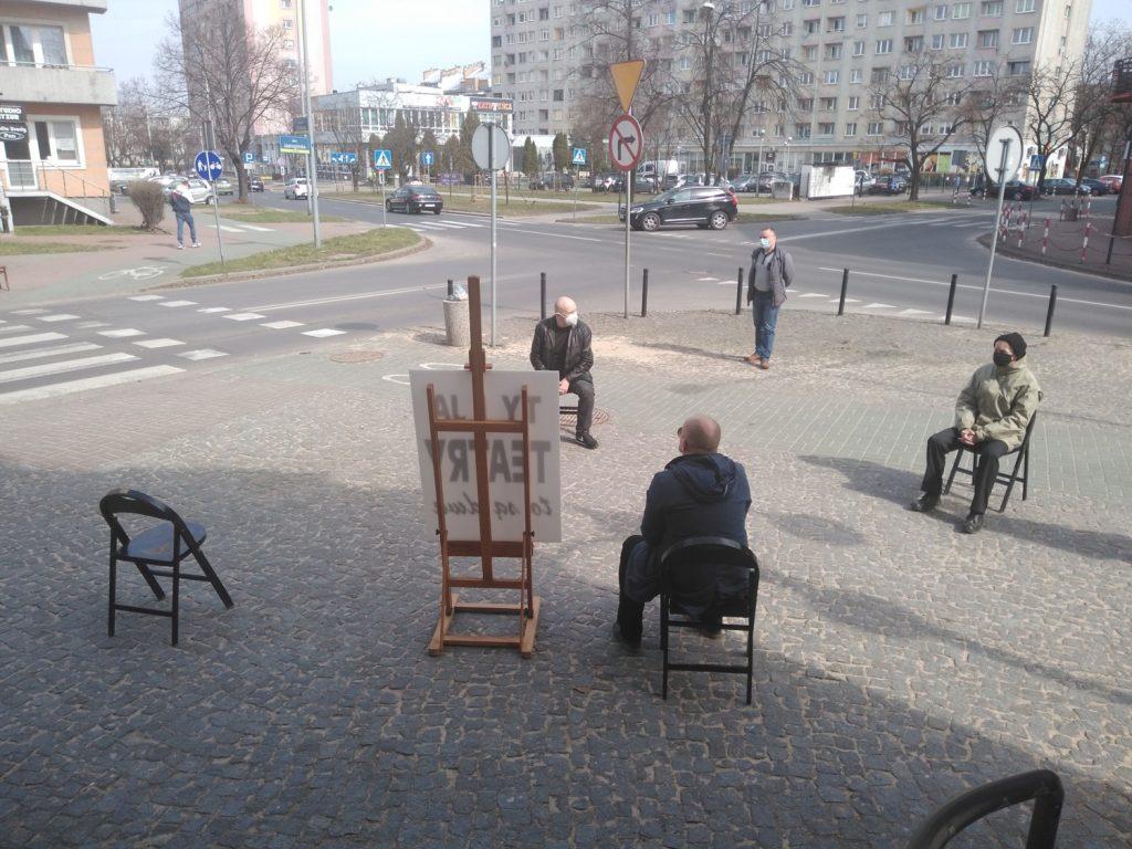 Zobacz, jak wyglądał w Częstochowie happening z okazji Międzynarodowego Dnia Teatru 8