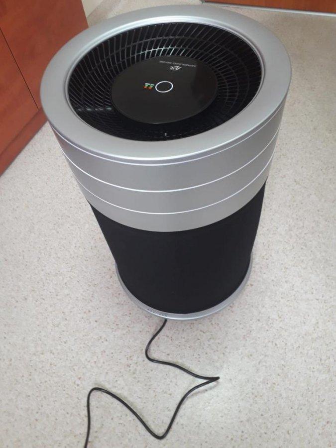 W urzędach w Kłobucku czyszczą powietrze, aby uchronić interesantów przed zakażeniem koronawirusem 1