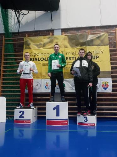 Zapaśnicy z Radomska z medalami 3