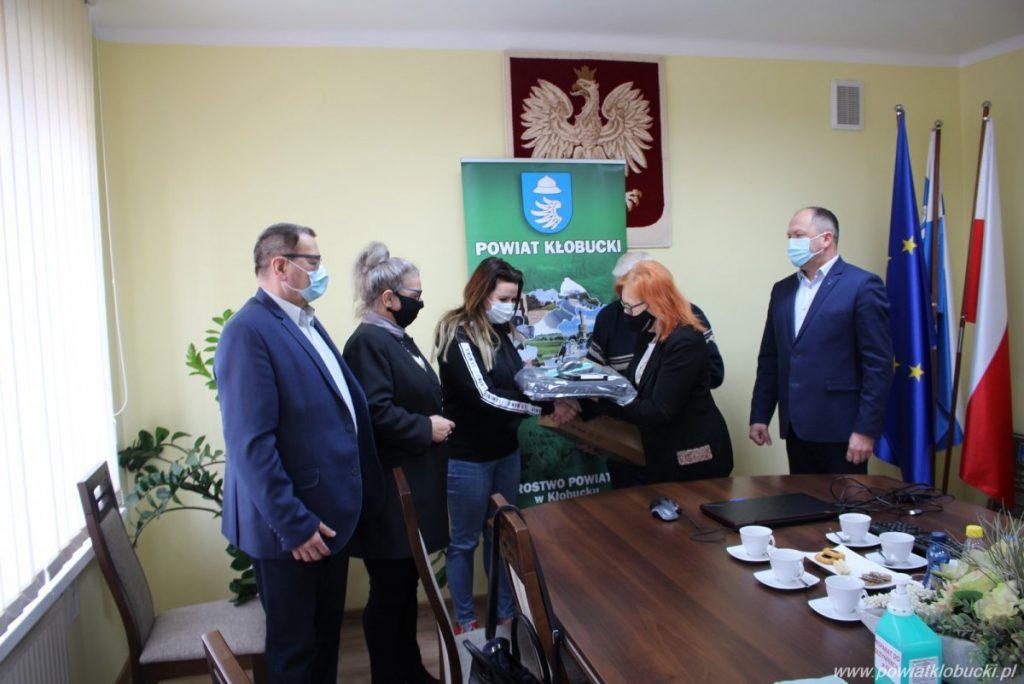 Seniorzy z Akademii Trzeciego Wieku wspierani przez Powiat Kłobucki 2