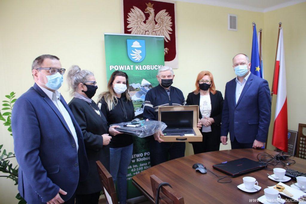 Seniorzy z Akademii Trzeciego Wieku wspierani przez Powiat Kłobucki 1