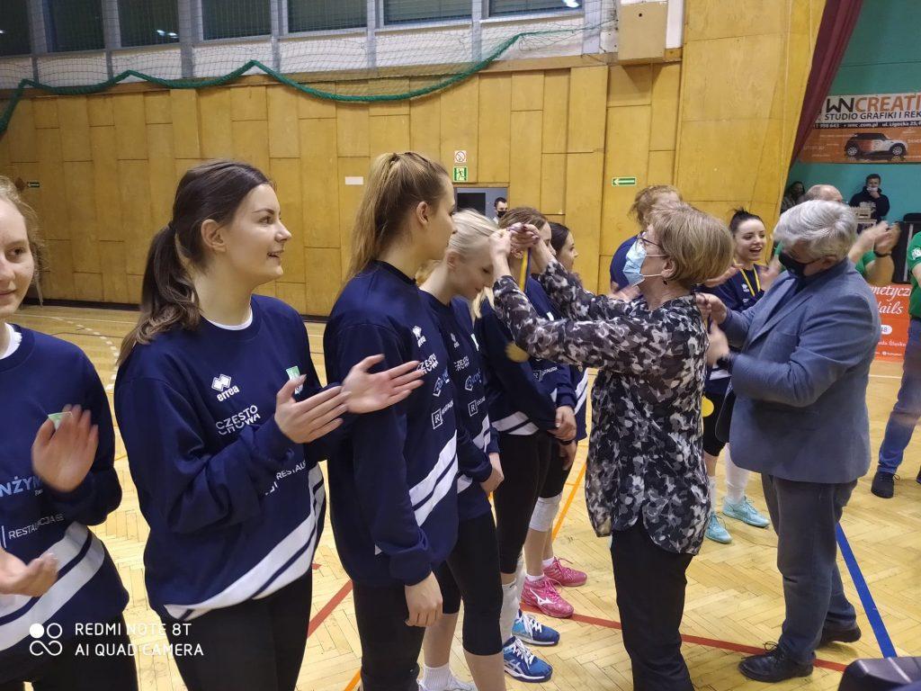 Siatkarki AZS Częstochowa mistrzyniami!!! Wygrały finał w Rudzie Śląskiej i zdobyły okazały puchar i złote medale 8