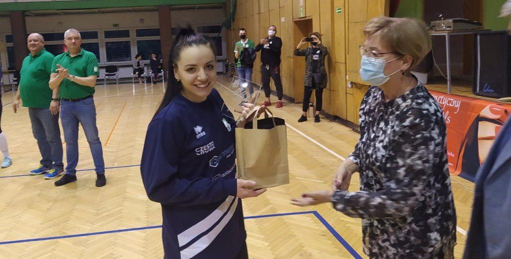 Siatkarki AZS Częstochowa mistrzyniami!!! Wygrały finał w Rudzie Śląskiej i zdobyły okazały puchar i złote medale 6