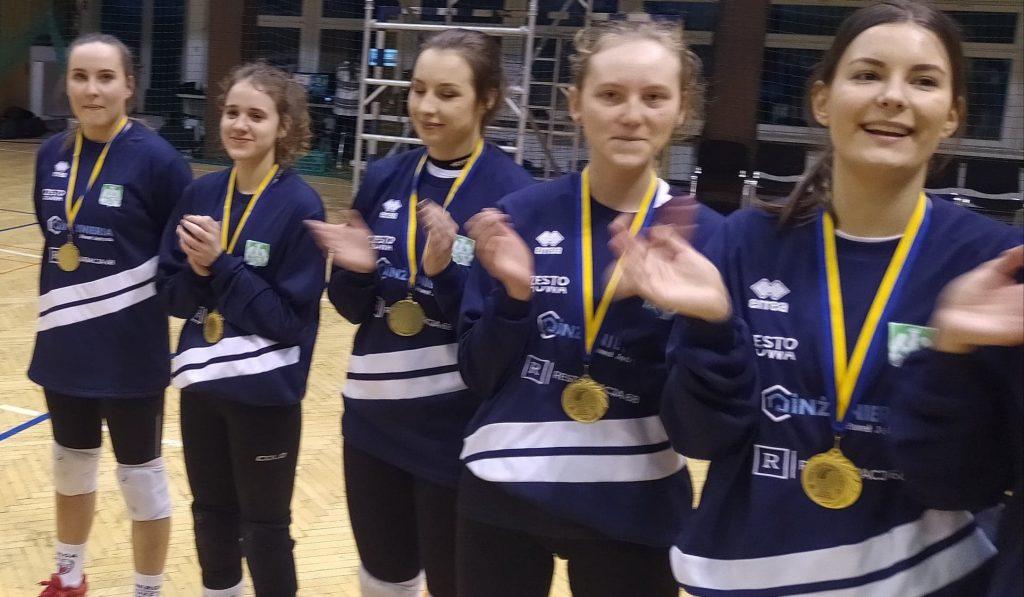 Siatkarki AZS Częstochowa mistrzyniami!!! Wygrały finał w Rudzie Śląskiej i zdobyły okazały puchar i złote medale 7