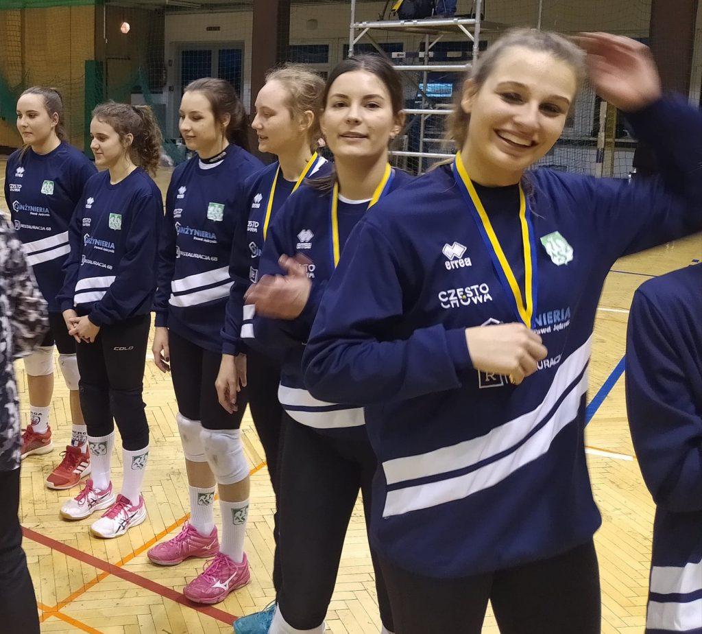 Siatkarki AZS Częstochowa mistrzyniami!!! Wygrały finał w Rudzie Śląskiej i zdobyły okazały puchar i złote medale 5