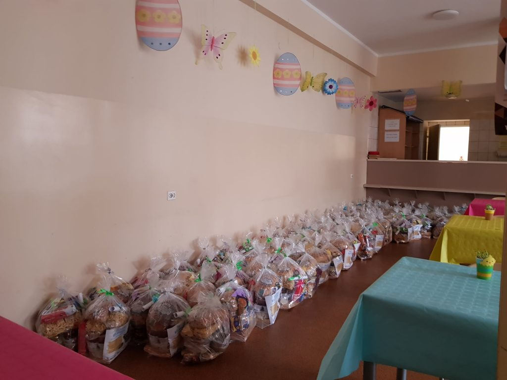 """350 częstochowian otrzymało pomoc w ramach akcji """"Śniadanie Wielkanocne"""" 2"""